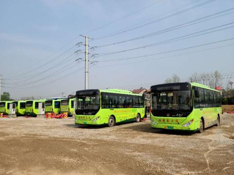 临澧县首条农村客运班线试运行 老百姓创作诗歌来点赞