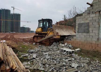 桃江县教师发展中心规划区内最后一幢违章建筑被拆除
