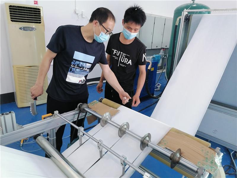 日产3吨熔喷布!湖南科技企业助力全球抗疫