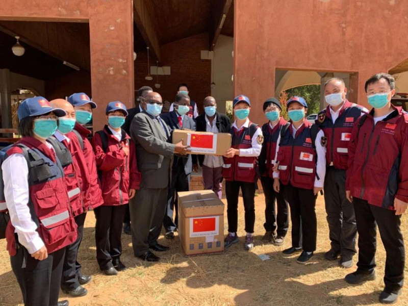 中国抗疫专家组走访中马绍纳兰省并同津初等教育部交流