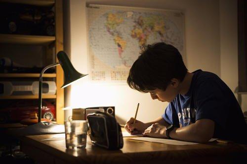 """湖南12岁男孩因学习压力大突然双眼失明,一查竟是""""心盲"""""""