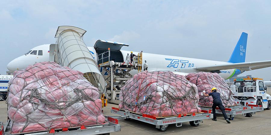 湖南首条跨境电商定期货运航线开通