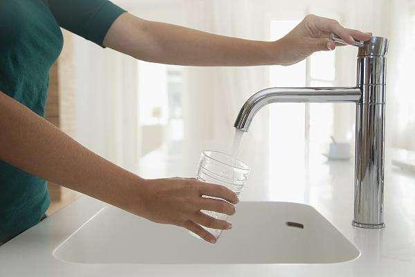 株洲一小区高层水压低,家中热水器成摆设