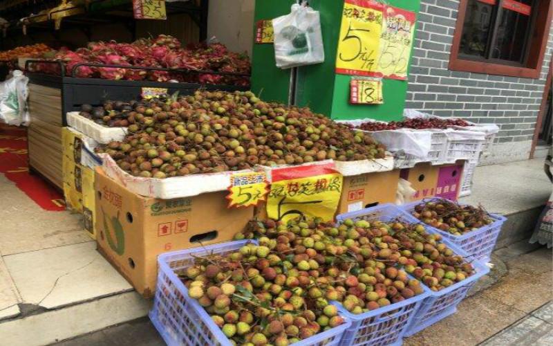 麒麟瓜每斤1.38元!迎来上市高峰,一大批时令水果降价啦