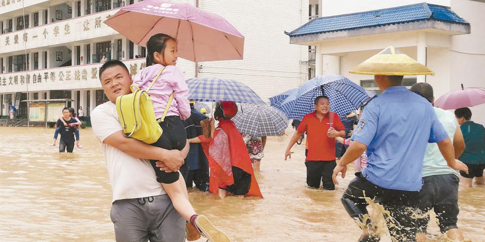 洪江市:3小时转移1300余名学生