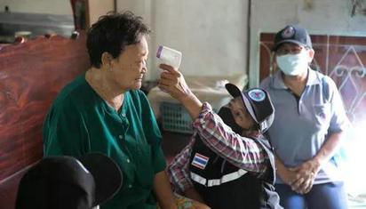 """24小时待命、随叫随到,在泰国乡村有上百万抗疫的""""无名英雄"""""""