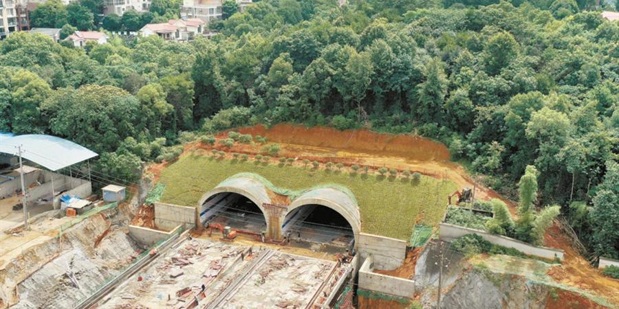 望城首条城市隧道进入扫尾阶段