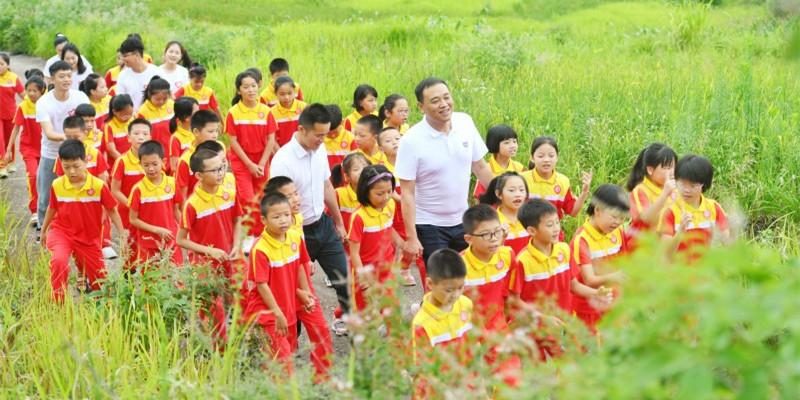祁东县启航学校留守儿童合唱团