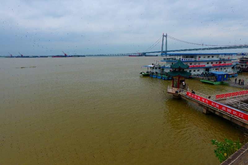 航拍保证水位下的洞庭湖岳阳城陵矶河段