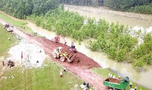 杜家毫主持省委常委会会议  部署防汛救灾工作
