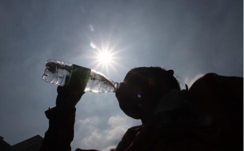 长沙疾控提醒:炎热暑期谨防手足口病