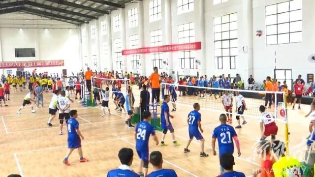 第七届中国最美乡村全国气排球邀请赛落幕 湖南泓冠中年男子队获得季军