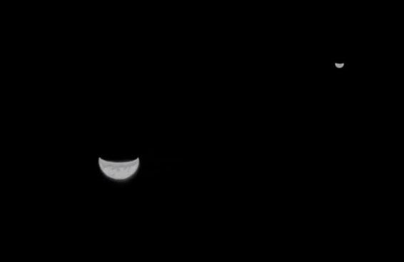 珍贵照片!天问一号探测器传回地月合影照片