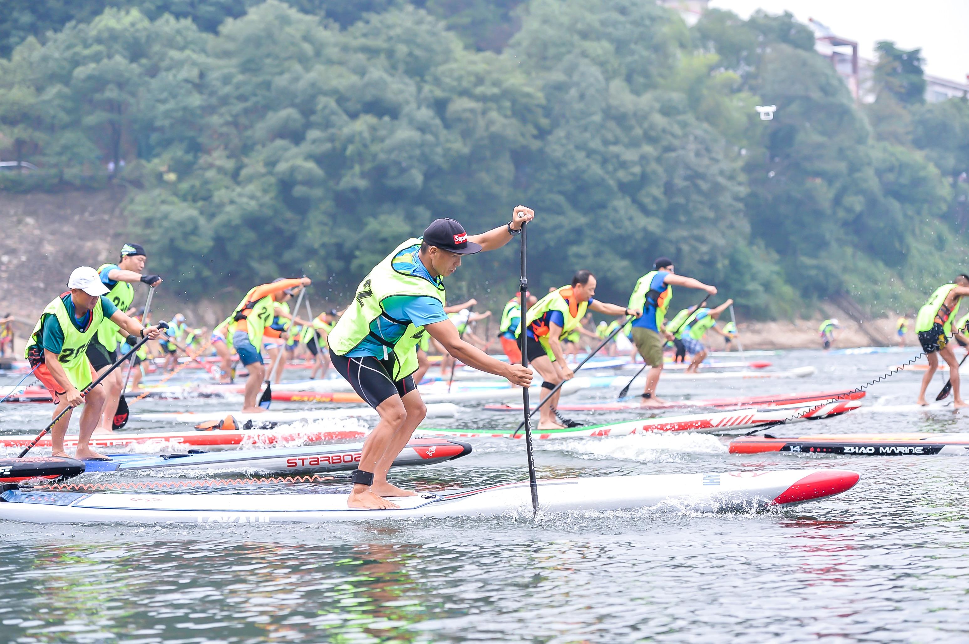 536名赛手齐聚鱼形湖 共创国内最大规模桨板赛