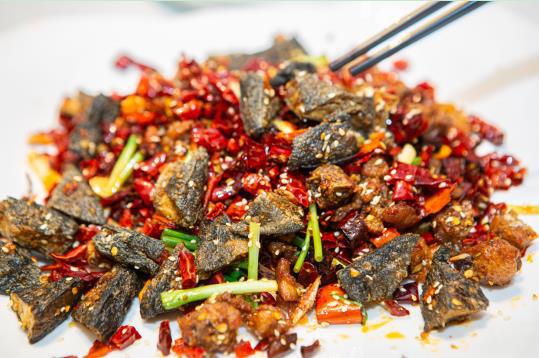 食鉴家联名黑色经典,臭豆腐入菜还有这些可能