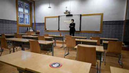 疫情期间上课难 美英大学生要求退学费