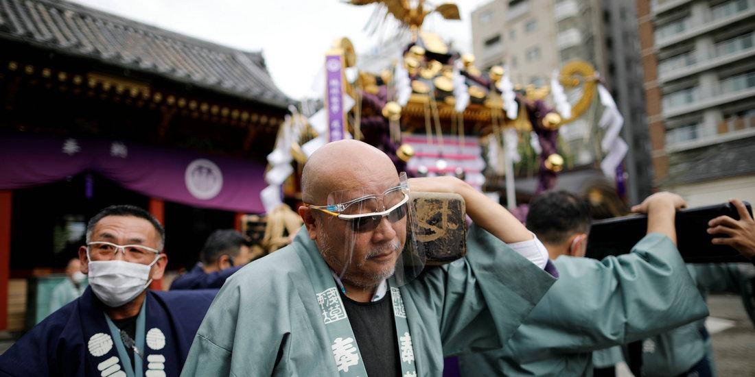 """东京:疫情下的""""三社祭""""庆典"""