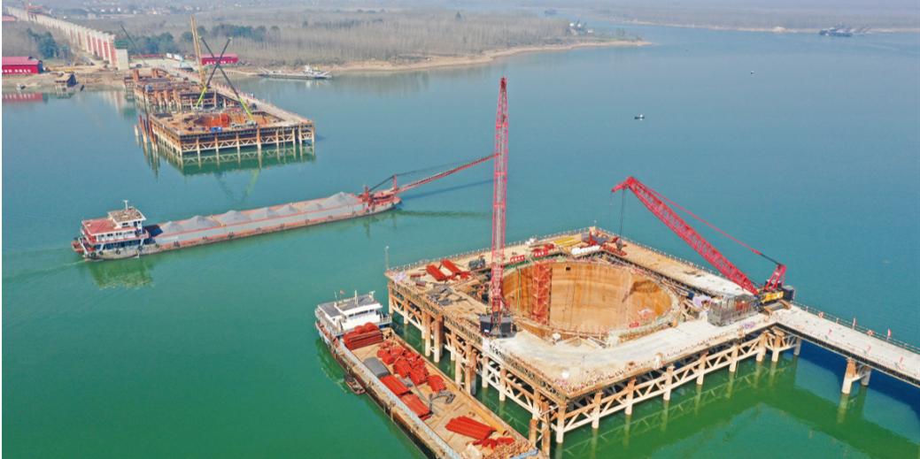 沅江特大桥建设有序推进