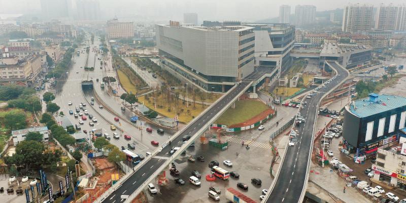 长沙汽车南站先锋路匝道桥基本建成