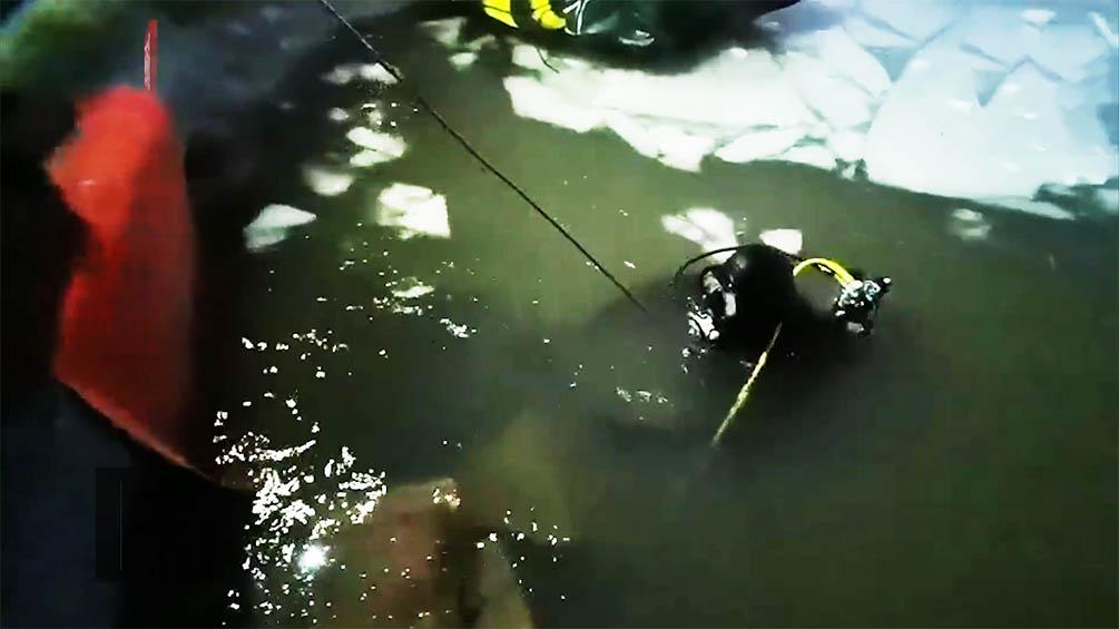 冬泳上岸遇冰面坍塌男子失联2天