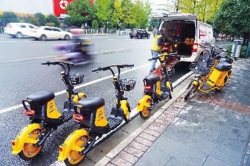 24小时轮班,共享电单车企业收车忙
