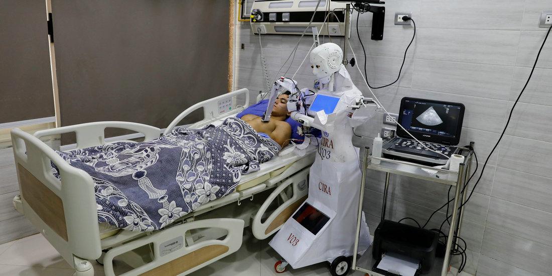 埃及:遥控机器人医院显身手