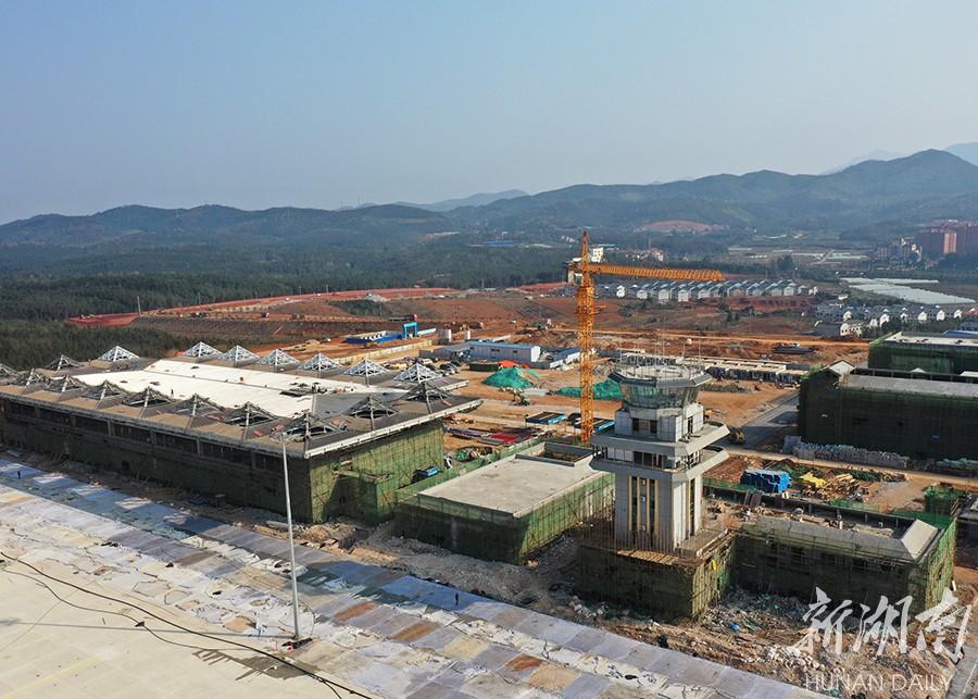 北湖机场建设忙 新湖南www.hunanabc.com