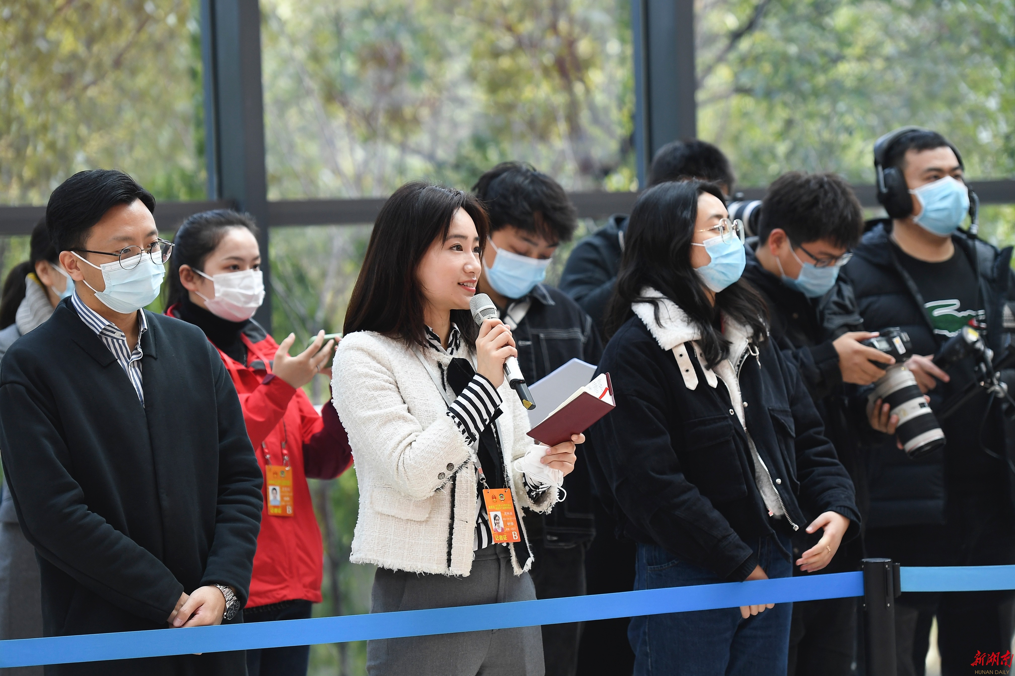 """直击省政协首场""""委员通道"""" 新湖南www.hunanabc.com"""