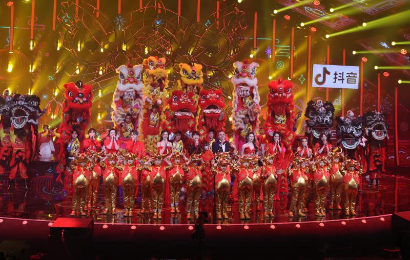"""""""四海同春""""2021全球华侨华人春节大联欢晚会在长录制"""