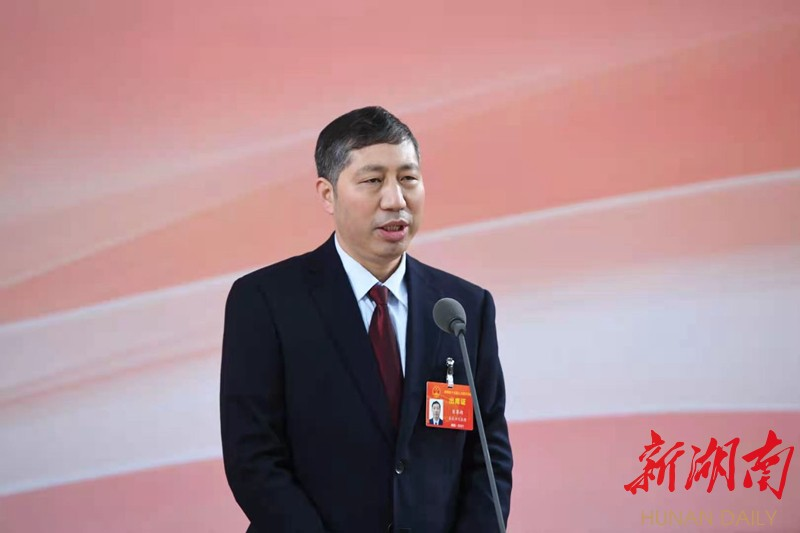 """""""代表通道""""直击⑥丨肖尊湖:造出更多更好更先进的钢 新湖南www.hunanabc.com"""
