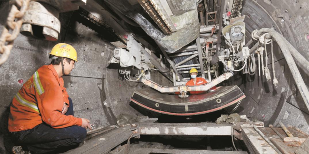 电力隧道施工进展顺利