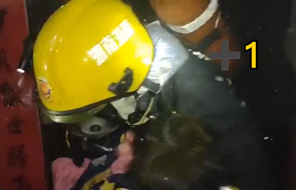连救5人!株洲一小区起火,消防火速出动成功营救