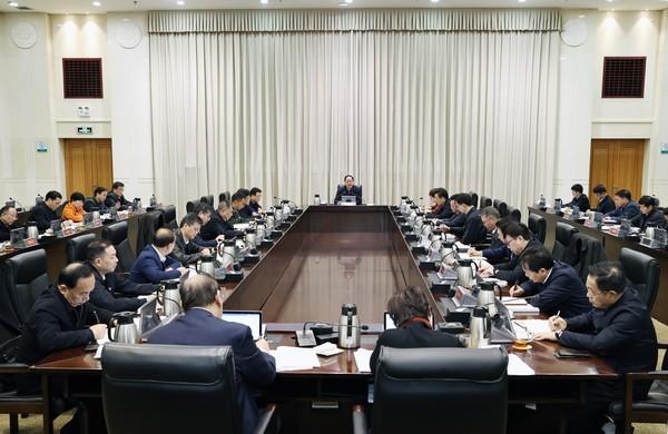 毛伟明在省能源委员会会议上强调:为实施三高四新战略 提供坚强能源保障