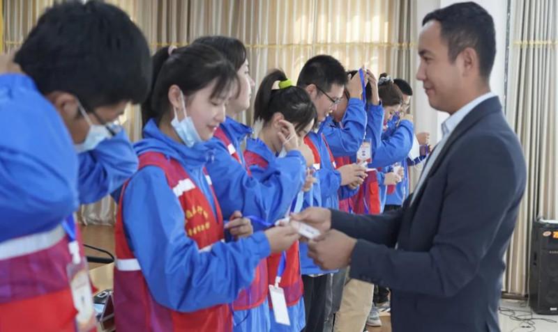 """优秀!湖南工艺美院毕业生获""""吐鲁番市优秀大学生西部计划志愿者""""称号"""