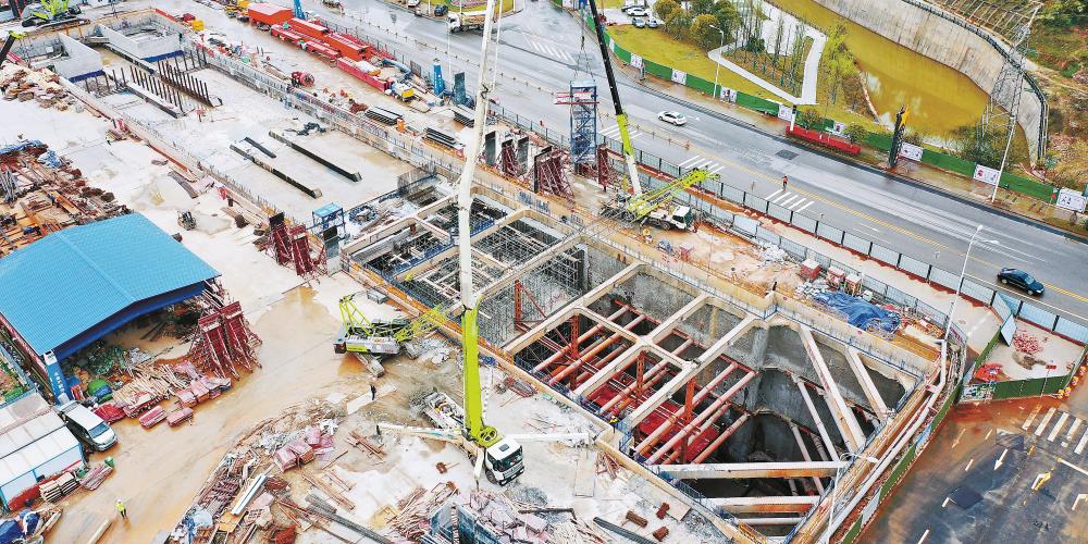 长株潭城际轨道交通西环线一期工程完成首个地下车站封底