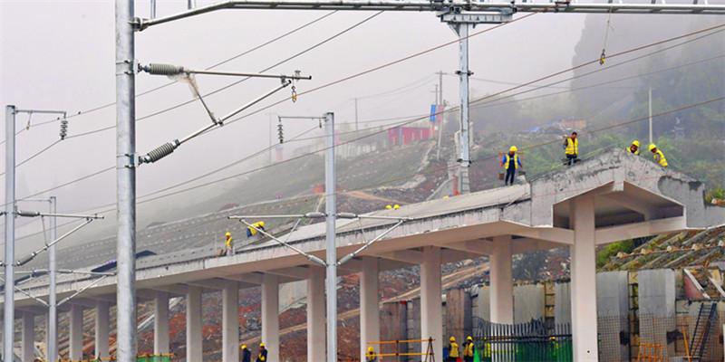 张吉怀铁路芙蓉镇站主体完工