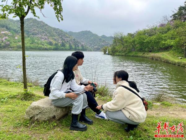 """阳明山上演偶像剧?湖南理工学子为""""阳明先生""""寻找心动女主角"""