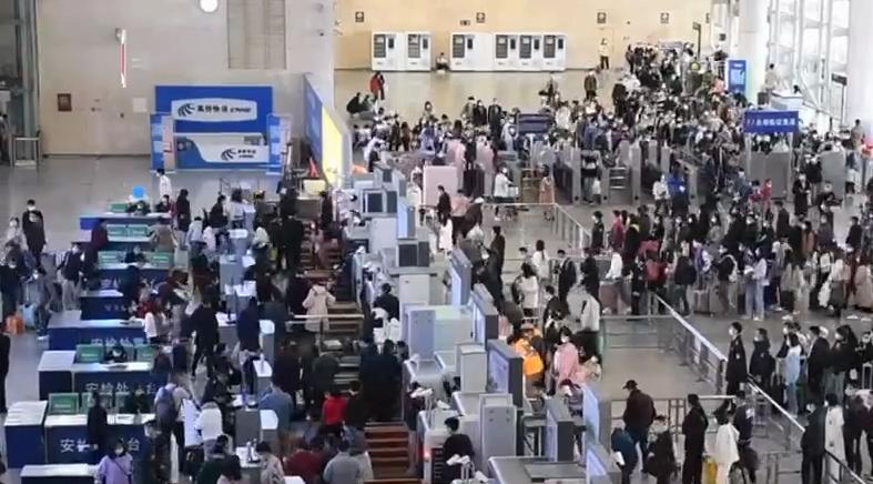 逼近20万!长沙南站今日创建站以来单日客流最高纪录