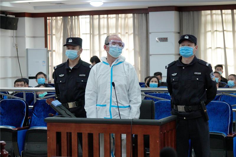省供销合作总社原党组副书记罗年受贿案开庭