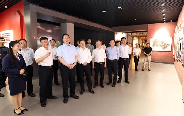 毛伟明在郴州调研时强调:弘扬红色传统 促进创新发展