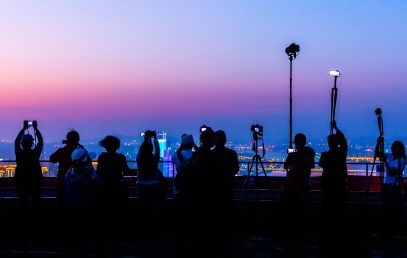 """一览长沙地标风采 """"瞰见长沙""""摄影展开展"""