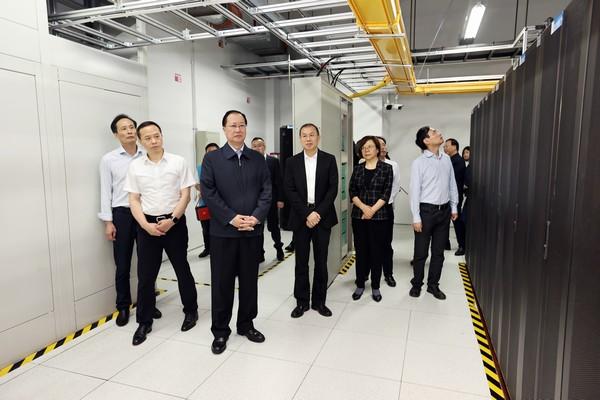 毛伟明在省政府发展研究中心调研:为建设现代化新湖南提供智力和数字化支撑
