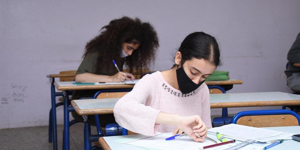 """摩洛哥:疫情下的""""高考"""""""