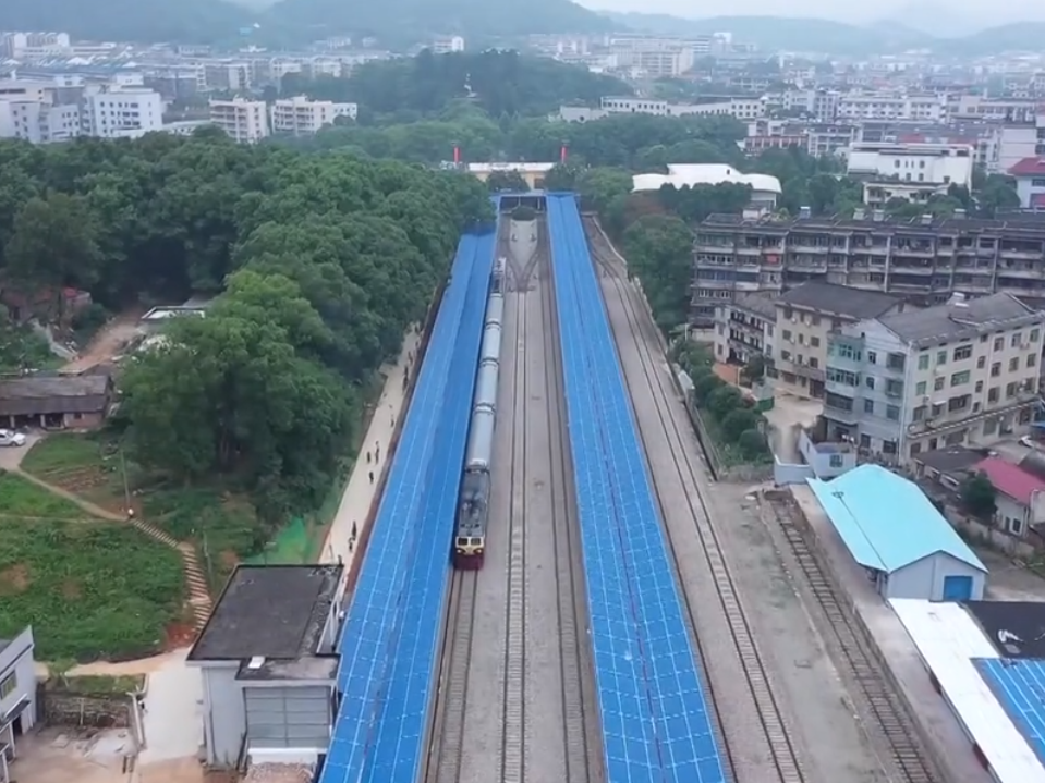 """记者体验""""两山""""红色专列 坐火车漫游革命老区"""