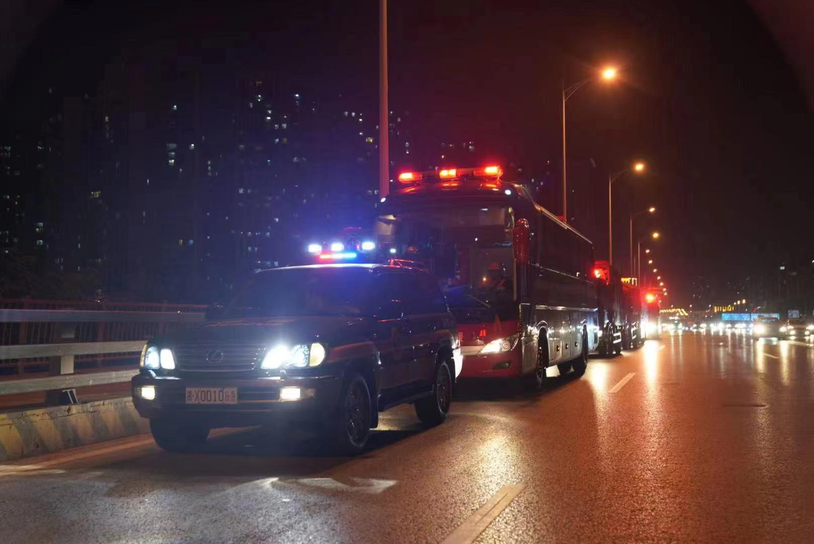 湖南省270名消防救援人员连夜驰援河南郑州