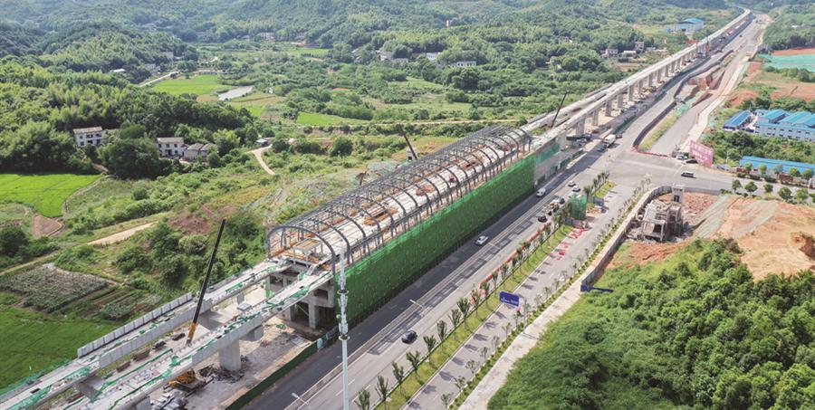 长株潭城轨西环线一期湘潭段高架桥全线贯通