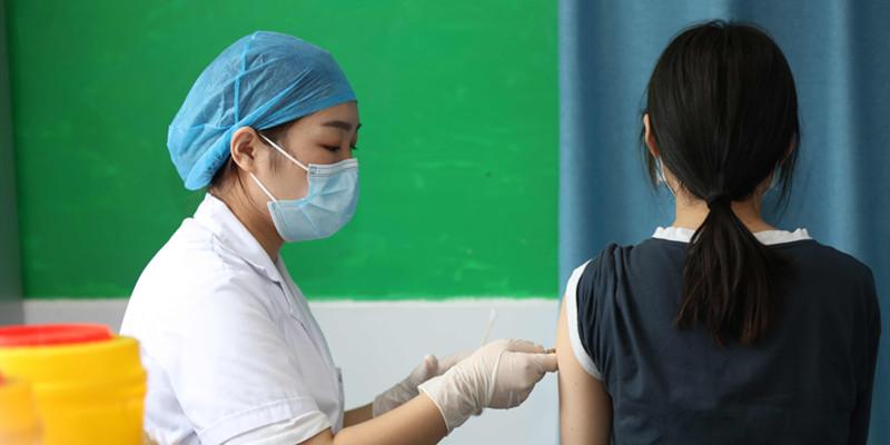 返校学生有序接种新冠疫苗