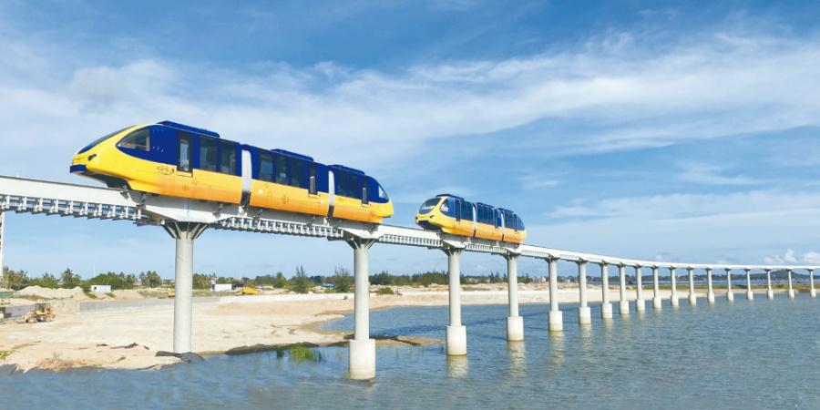 全国首列浅海单轨观光旅游列车运营