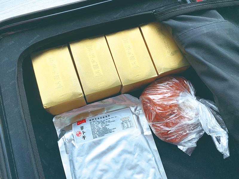 """返校季,Z世代大学生们行李箱里装了啥?一起来""""开箱验货""""吧"""