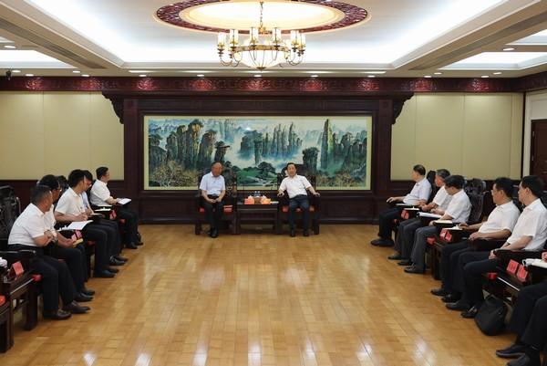 许达哲与西藏山南市代表团一行座谈